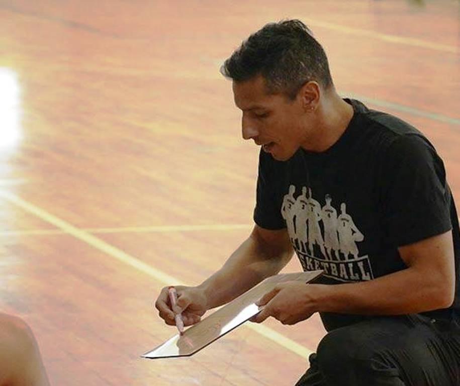 Andrés Arequipa / Salto Inicial.
